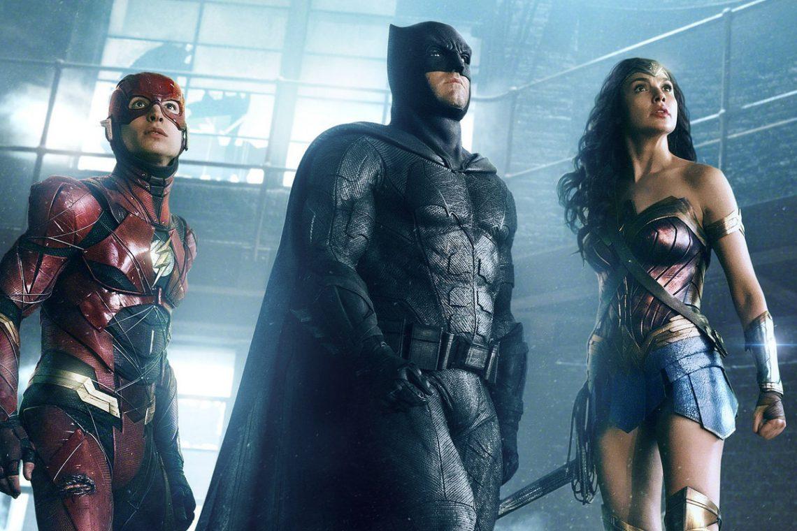 Justice League มีบางสิ่งสำหรับทุกคนและไม่มีทางที่จะรวมเข้าด้วยกันได้
